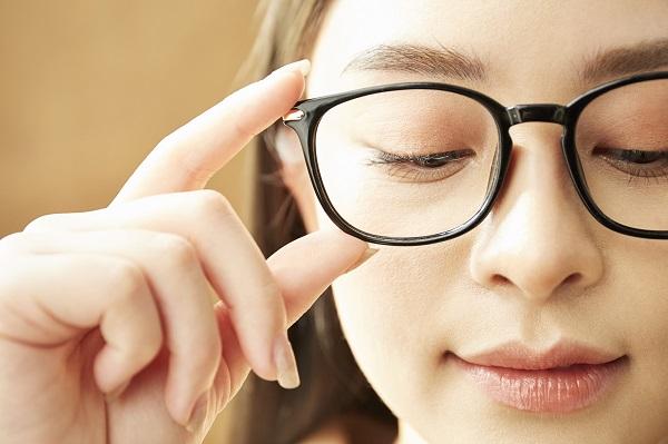 【ギモン解決!】就活で眼鏡はあり?メガネっ子あつまれ!!